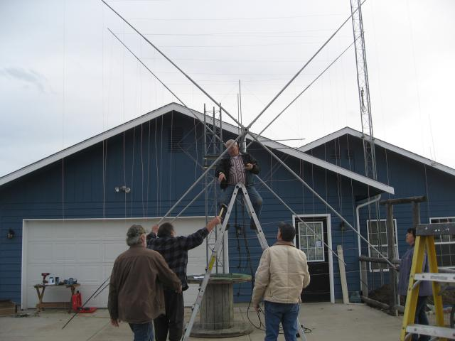 Attaching Reflector Element to Mast